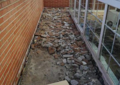Demolición suelo para impermeabilizar